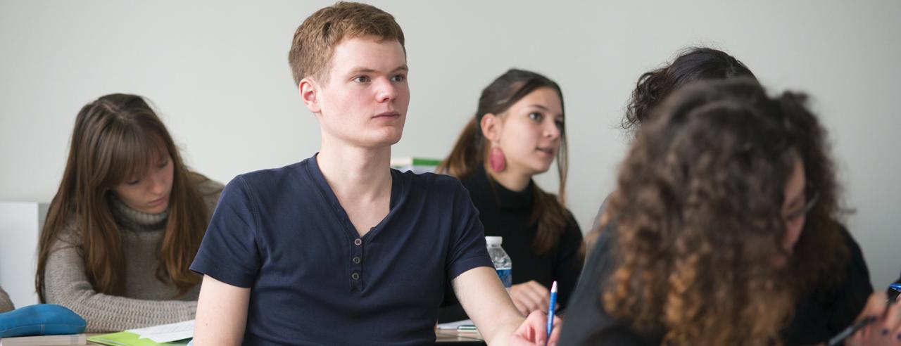Etudiants en formation pour devenir enseignant